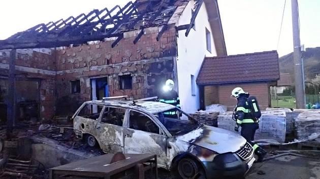 Požár v Trojanovicích v pondělí 10. května 2021 napáchal odhadem dvoumilionovou škodu.