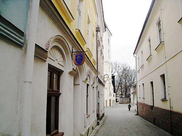 Zámecká ulice, kde bude sídlit muzeum.
