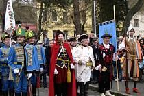 Emanuel Grepl (v bílém) a Eduard Valeš (po jeho pravé ruce) se v sobotu zúčastní slavnosti, týkající se příjezdu Marie Terezie v chorvatském Kutjevu.