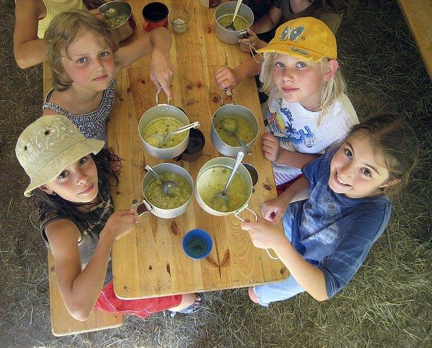 Příměstské tábory jsou pro děti často velice příjemným strávením prázdnin. Ilustrační foto.