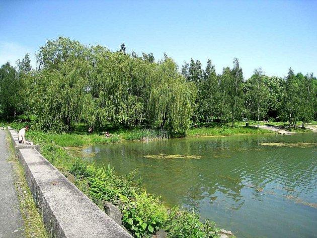 Větřkovickou přehradu letos využijí jak rybáři, tak koupání chtiví návštěvníci.