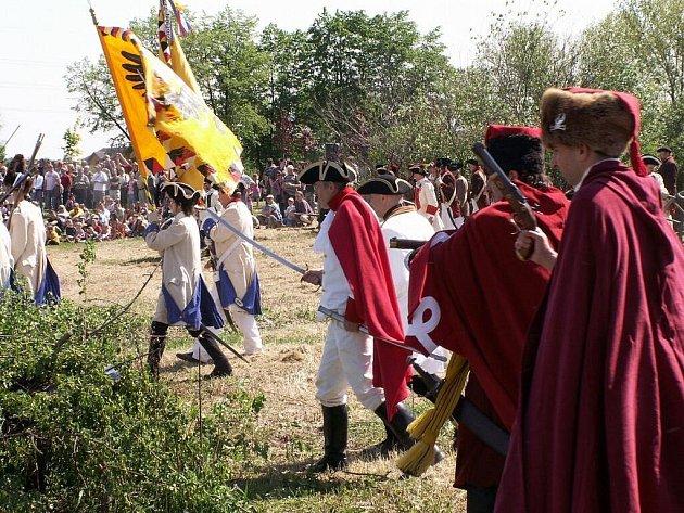 Regiment Harrach 7 a Trenckovi panduři z Nového Jičína se začátkem května zúčasnili 252. výročí bitvy u Štěrbohol.