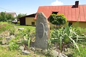 V Heřmanicích u Oder jsou pěkná a zajímavá místa. Jedním z nich je Goethův kámen ve Vésce.