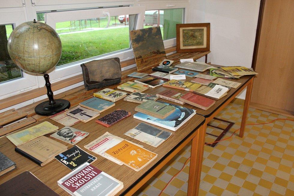 Základní škola v Suchdole nad Odrou letos existuje rovných sto let.