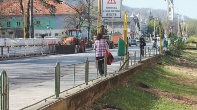 Před dvěma lety v Kopřivnici kvůli rekonstrukci hlavního tahu městem padly k zemi desítky vzrostlých stromů.