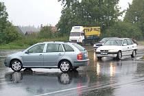 Ode dneška už nebudou moci řidiči na křižovatce hlavní silnice I/48 s vedlejší cestou od obce Rybí zatáčet vlevo.