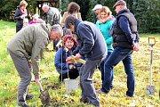 Ve Skotnici založili nadšenci sdílený ovocný sad.