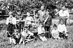 Snímek jakubčovických školáků s vyrobenými modely pochází z šedesátých let minulého století.