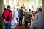 Slavnostní bohoslužba v kostele sv. Bartoloměje ve Studénce.