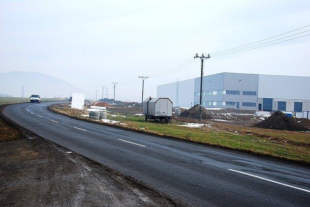 Terminál společnosti DHL u novojičínské výpadovky na Rybí není stále v provozu.