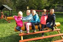 Nová zahrada u MŠ Markova ve Frenštátě pod Radhoštěm nabízí dětem pestré využití.