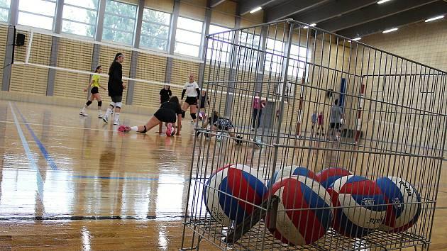 V Měníně si lidé zasportují v nové hale