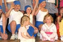 """Suchdolské """"odvaž se"""" v sobotu 18. dubna v podvečer již po třetí vyplnilo program kulturního domu v Suchdole nad Odrou. Příležitost ukázat, co umí, si nenechaly především děti se svými tanečními vystoupeními."""