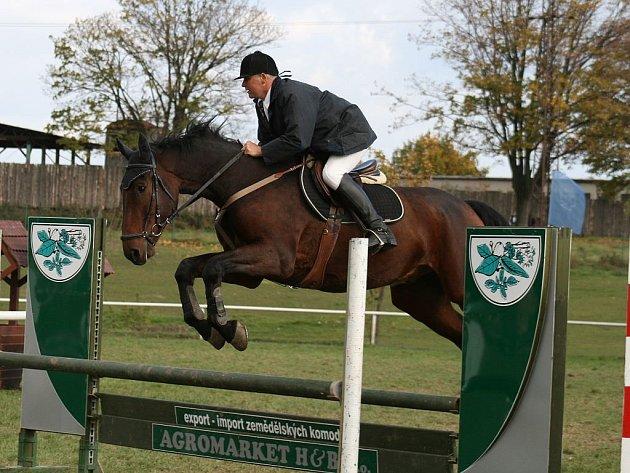 Prvenství v soutěži mini-maxi získal Jiří Zwinger s koněm Colombo 1 z jezdeckého klubu Opava-Kateřinky.