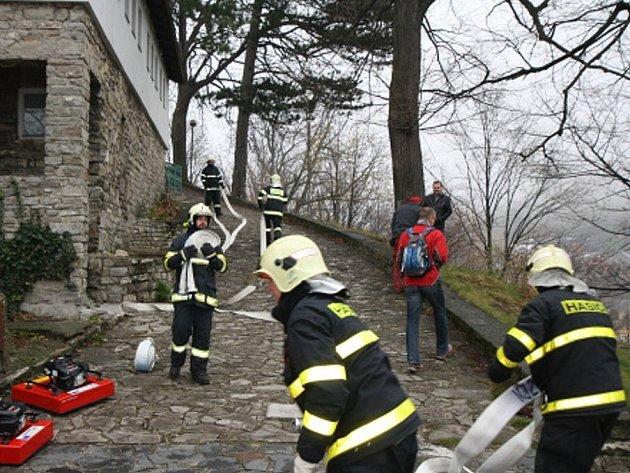 Požár na Trúbě, naštěstí pouze cvičný, hasily na začátku tohoto týdne hasičské jednotky z Novojičínska.