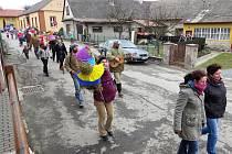 V Luboměři a některých dalších obcích Novojičínska vynášeli lidé Zimu ze vsi.