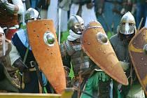 Také letos si přijdou milovníci rekonstrukcí bitev na své. Rekonstrukce boje o Moravskou bránu si mohou o víkendu vychutnat na Kunínském zámku.