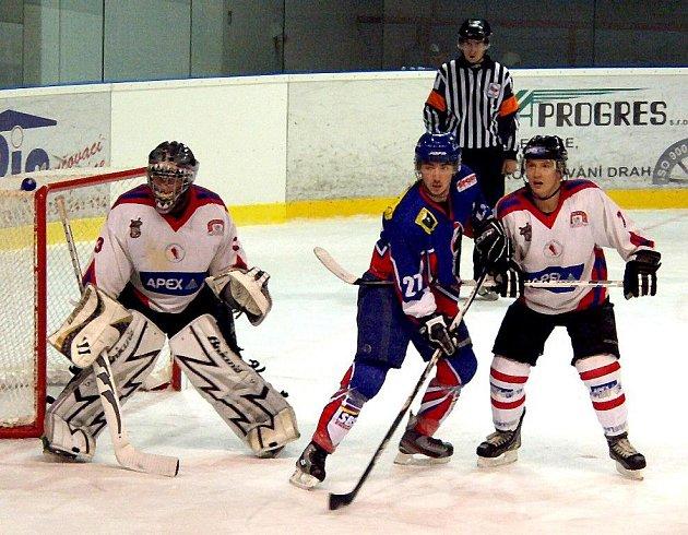 Hokejisté Nového Jičína doma podlehli Uherskému Hradišti 3:7.