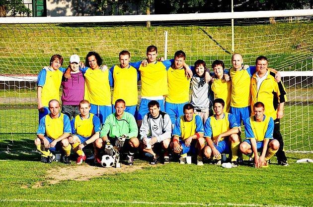 Mužstvo FC Kopřivnice postupuje do 1. B třídy.