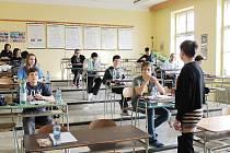 OLYMPIÁDY se zúčastnilo osm desítek matematiků.