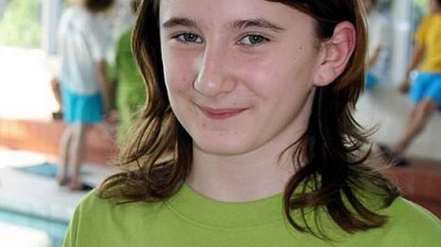 Klára Křepelková, nejúspěšnější závodnice Středoevropského poháru mládeže v plavání s ploutvemi pro rok 2009 z Klubu vodních sportů Laguna Nový Jičín.