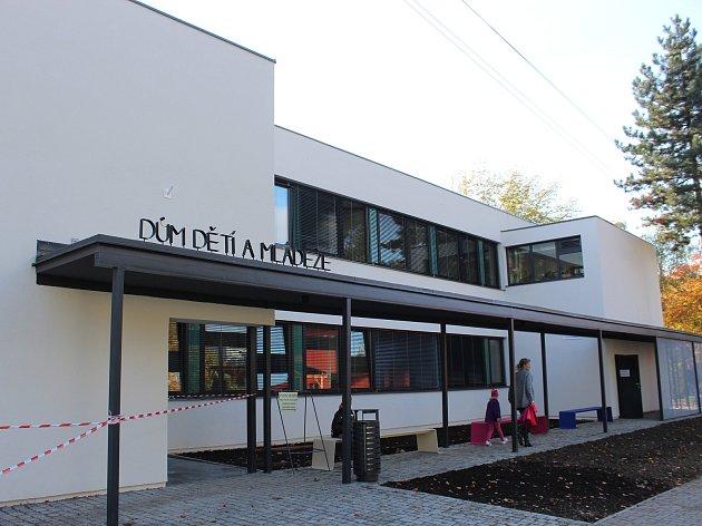 Díky rekonstrukci se dům dětí a mládeže stal moderním zařízením ve městě.