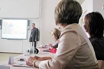 Konference se zabývala pobytem studentů v zahraničí.