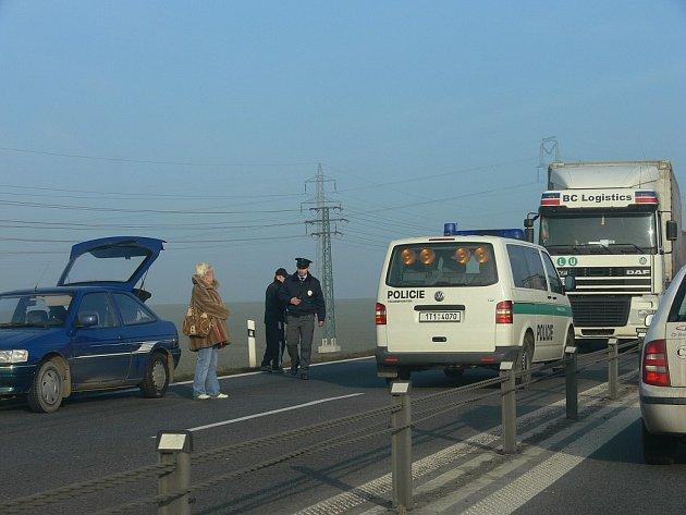 Dopravní nehoda na silnici I/48.
