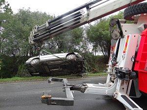 Vyprošťování havarovaného auta u Bravantic