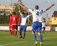 NOVOJIČÍNŠTÍ fotbalisté mohli i ve druhém utkání nového ročníku slavit tříbodový zisk.