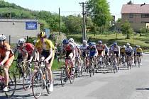 Na start prvního závodu seriálu v Metylovicích se v neděli postavilo celkem 89 cyklistů.
