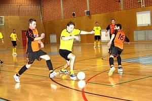 Futsalový turnaj Memoriál Luboslava Kapsy uctil památku jednoho z průkopníků futsalu v České republice. Druhý ročník turnaje se stal nakonec kořistí F.T.Brušperk.