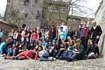 Pět dní strávených ve Švýcarsku a v Německu se stalo studentům pomyslnou odměnou. Ve dnech 3.- 9. dubna 2009 vycestovalo 54 studentů Gymnázia v Novém Jičíně se čtyřmi vyučujícími přes Alpy a prohlídky měst Laussanne, Evian do německého Altensteigu.