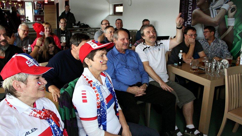 Radost se smutkem se střídala v areálu tenisového klubu ve Fulneku při sledování finálového zápasu Petry Kvitové v australském Melbourne.