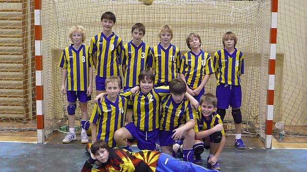 Mladší žáci KH Kopřivnice na prvním turnaji 2. ročníku Česko-Slovenské ligy neprohráli.