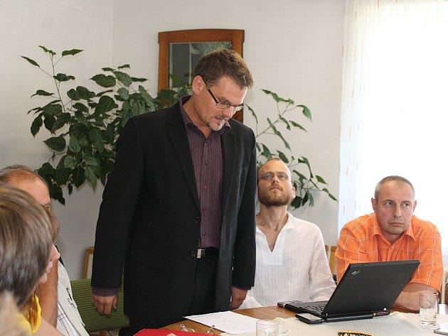 V Trojanovicích se sešli představitelé několika organizací kvůli vytvoření koalice iniciativ bojujících proti těžbě uhlí v ČR. K alianci se v brzkém budoucnu chtějí připojit také organizace Arnika a Greenpeace.