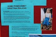Kristýnka lyžuje na monoski. Premiérový benefiční běh, který pořádala skupina žáků Smajlíci ze Základní školy T. G. Masaryka v Bílovci, jí má pomoci v jejím sportovním snažení.