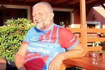 Oderský podnikatel Jiří Rigó využívá často volné chvilky k projížďkám na kole. Odpočívat má kde, třeba právě u svého penzionu s restaurací Švamlův mlýn.