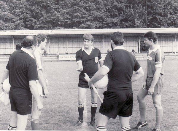 Stanislav GAJDŮŠEK coby fotbalový rozhodčí, kde to dotáhl na úroveň tehdejší moravsko-slezské národní ligy.