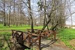 Desítky lidí navštívily o víkendu v první dny nové sezony zámek v Kuníně a jeho zahradu. Na vše dohlížel čáp Viktor.