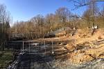 Stavební práce na útulku v Bludovicích se zcela zastavily.