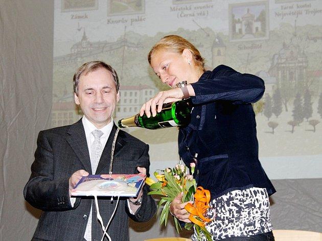 Petra Kvitová se stala kmotrou druhého vydání Terezky, princezny z Fulneku autora Milana Barboříka (vlevo).