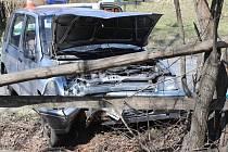 Tragická havárie osobního vozidla se stala ve čtvrtek 18. dubna krátce před desátou hodinou dopolední na silnici ve Vlčovicích.