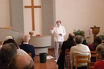Děti i dospělí navštěvující evangelickou faru v Novém Jičíně zhlédli minulou neděli zajímavé představení.