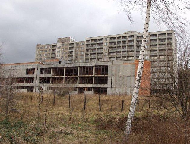 Hotelové domy na Horečkách dělají Frenštátu ostudu.