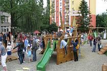 Na děti čekaly v nových zahradách soutěže a hry.