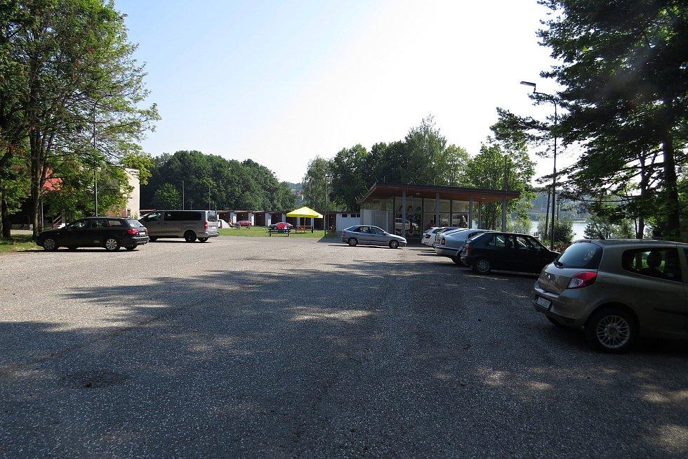 Kemp Lučina je v roce 2021 v provozu druhou sezonu po rozsáhlé rekonstrukci chatek, infrastruktury a recepce.