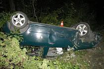 Víc štěstí, než rozumu, měl před pár dny šestapadesátiletý řidič, který v silné opilosti havaroval ve večerních hodinách na silnici mezi Bordovicemi a Frenštátem pod Radhoštěm.