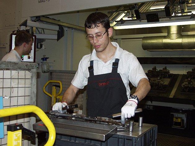 I přes současnou krizi hledí společnost Brose do budoucnosti s mírným optimismem. Zároveň garantuje, že nehodlá opouštět místa, kde má v současné době výrobu.