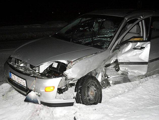 Dvě osobní vozidla se srazila ve středu 27. ledna v Petřvaldě.